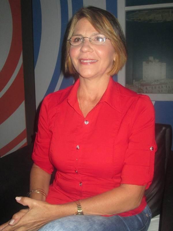f4d6f64186 Sandra Hernández ha sido el rostro más visible de la revista Hola Habana,  que transmite el Canal Habana de lunes a viernes desde las cuatro a las  cinco de ...
