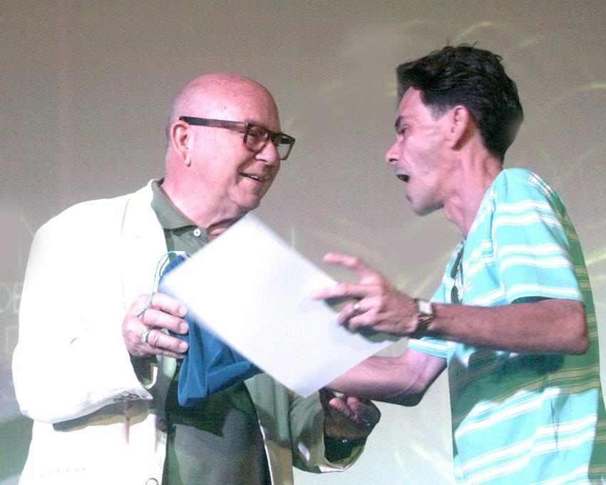 301f13874d Con la participación del poeta Miguel Barnet, presidente de la Unión de  Escritores y Artistas de Cuba (Uneac), fueron entregados este sábado los  Premios ...